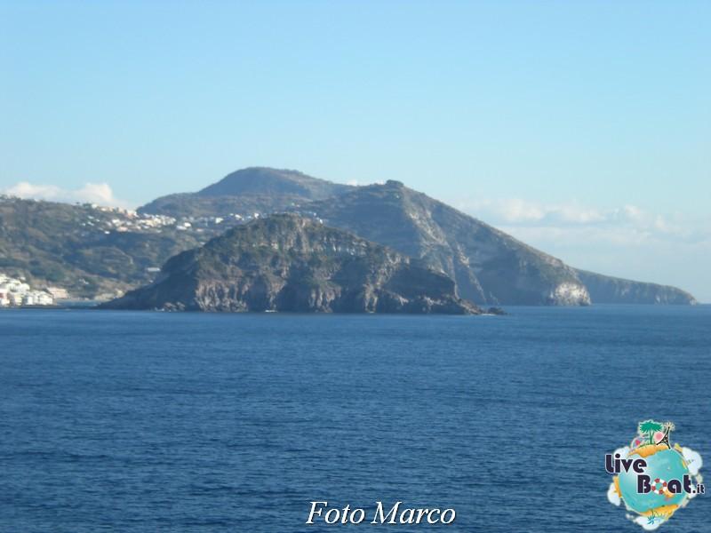 Cosa visitare a Napoli -Italia--33-liveboat-napoli-jpg