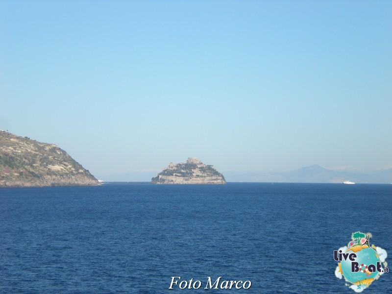 Cosa visitare a Napoli -Italia--40-liveboat-napoli-jpg