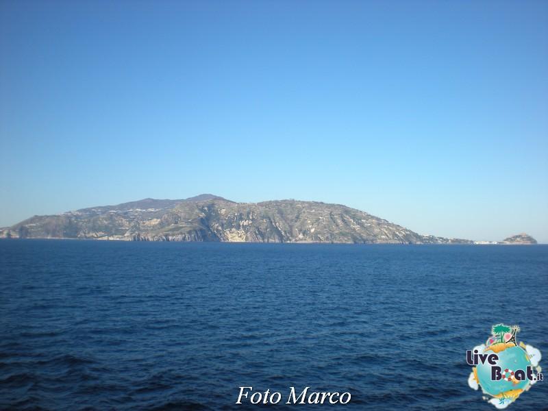 Cosa visitare a Napoli -Italia--44-liveboat-napoli-jpg