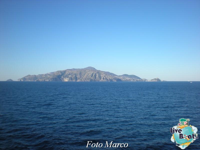 Cosa visitare a Napoli -Italia--48-liveboat-napoli-jpg