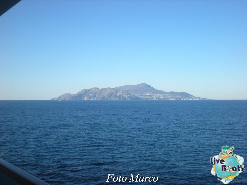 Cosa visitare a Napoli -Italia--52-liveboat-napoli-jpg