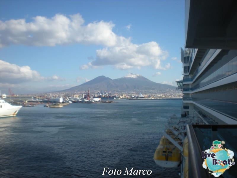 Cosa visitare a Napoli -Italia--56-liveboat-napoli-jpg