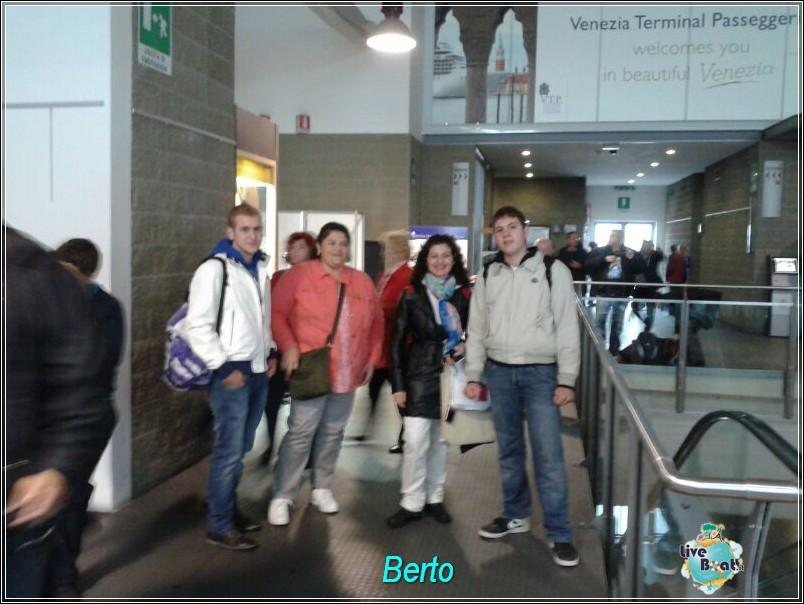 2013-11-03 Venezia (Imbarco) Costa Fascinosa-img-20131103-wa0026-jpg