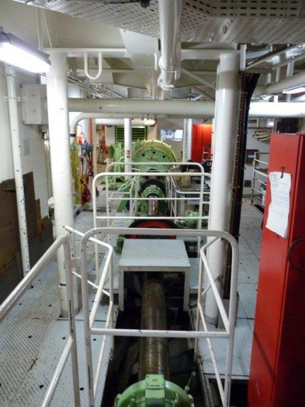 A bordo di Windsurf 22-23-giugno-motore-albero-elica-jpg