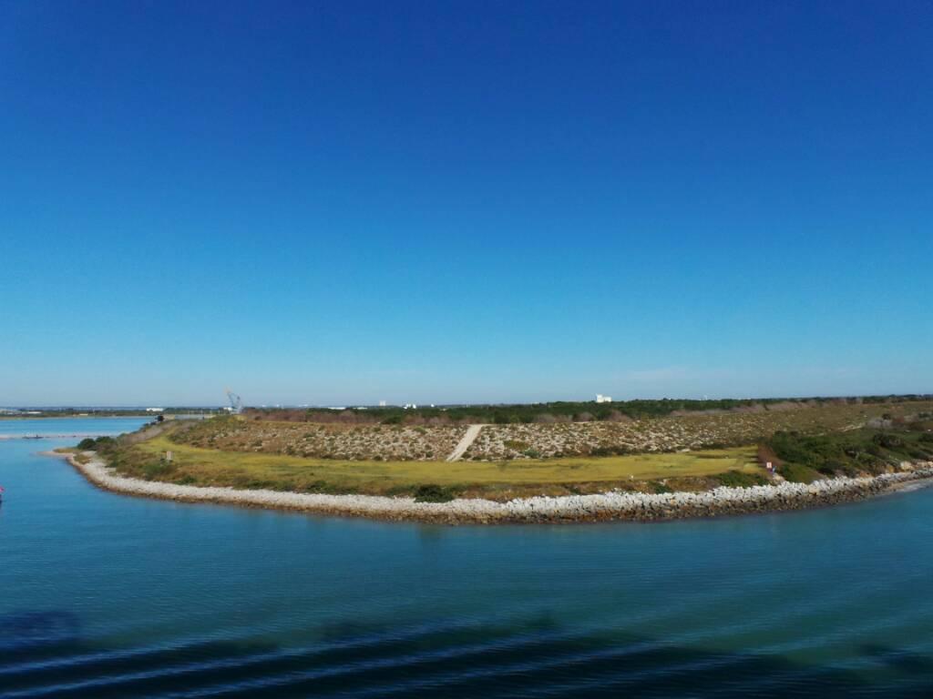 2013/12/03 - Port Canaveral, Orlando - Norwegian Breaway-1386082701580-jpg
