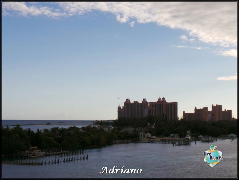 2013/12/05 - Nassau, Bahamas - Norwegian Breakaway-4foto-nassau-bahamas-florida-crociera-diretta-liveboat-crociere-jpg