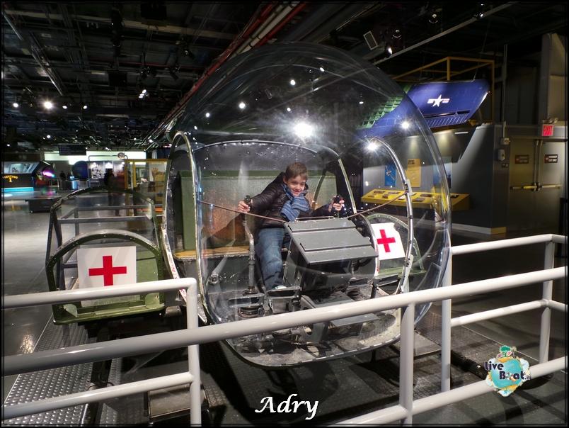 New York, soggiorno-147newyork-museo-intrepid-citycenter-crociera-diretta-liveboat-crociere-jpg