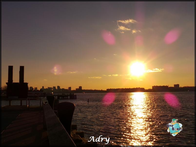 New York, soggiorno-174newyork-museo-intrepid-citycenter-crociera-diretta-liveboat-crociere-jpg