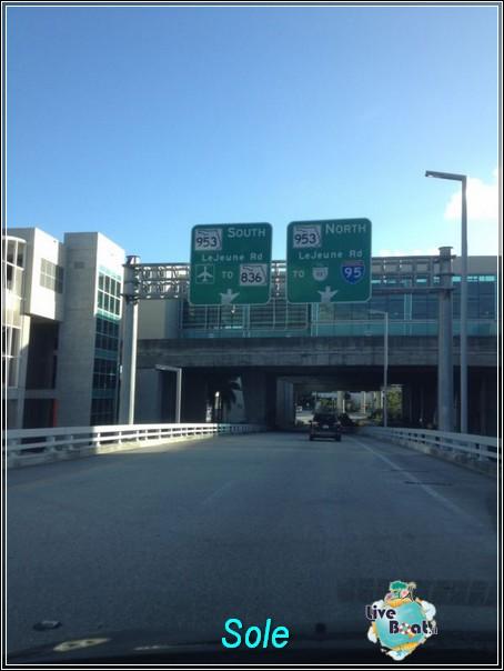 2013/12/23 arrivo a Miami - immigrazione - ritiro a-img-20131224-wa0001-jpg