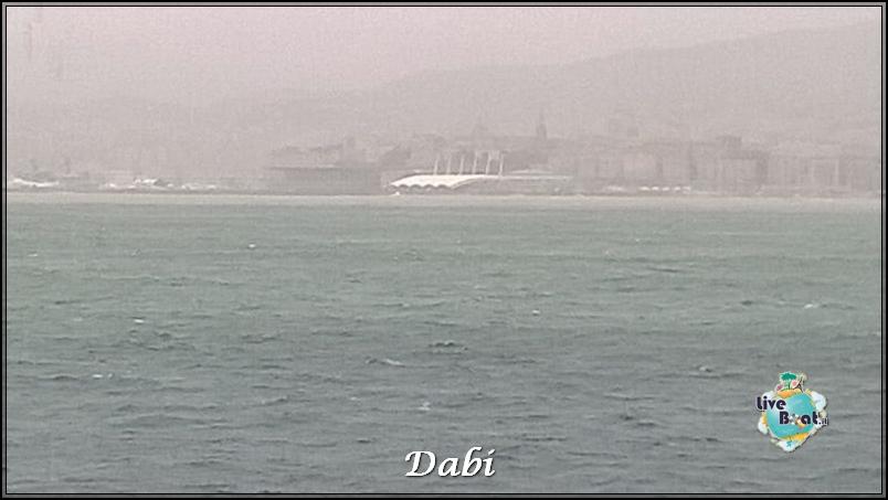 2013/12/26 Savona sbarco ( dirottata a Genova )-costa-serena-dirottata-porto-genova-causa-maltempo-9-jpg