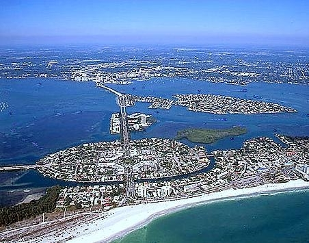 2013/12/26 Ellenton e Sarasota-sarasota_florida_-_83d40m_-_from_gulf_of_mexico_across_her_keys_and_sarasota_bay_to_downtown_and_mainland-jpg