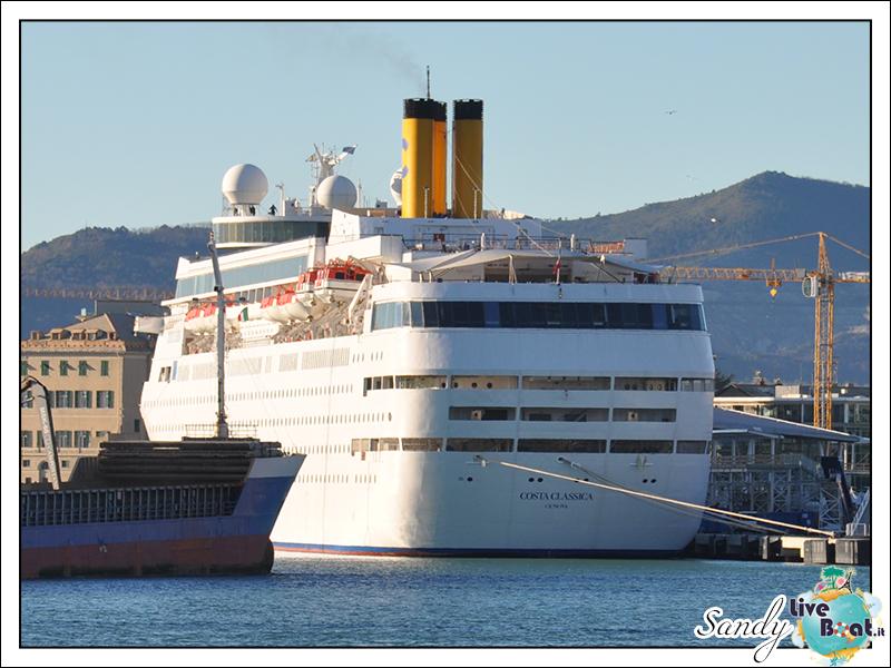 Oggi al porto di....-costa_classica_savona_dicembre2013-02-jpg