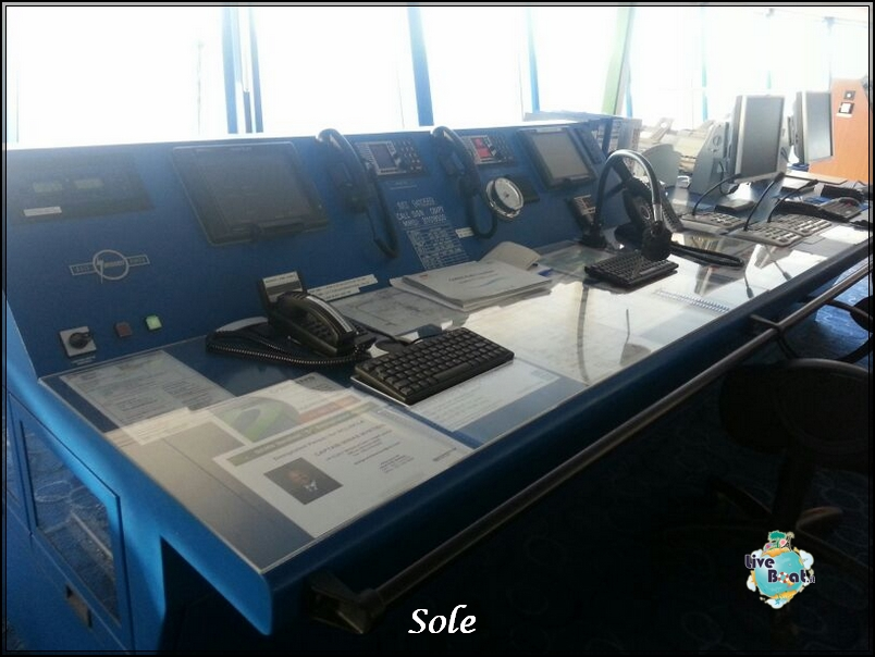 2014/01/02 Navigazione-ponte-comando-norwegian-epic-3-jpg