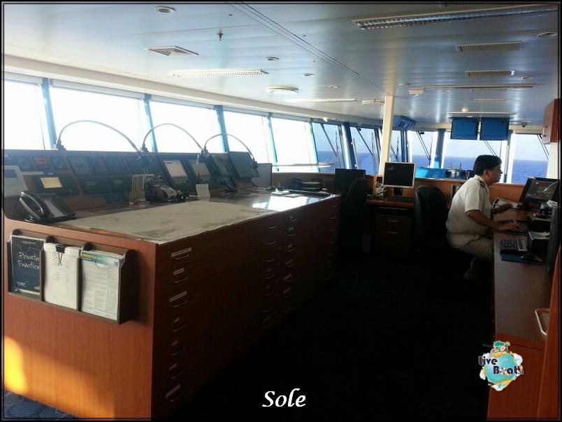 2014/01/02 Navigazione-ponte-comando-norwegian-epic-4-jpg