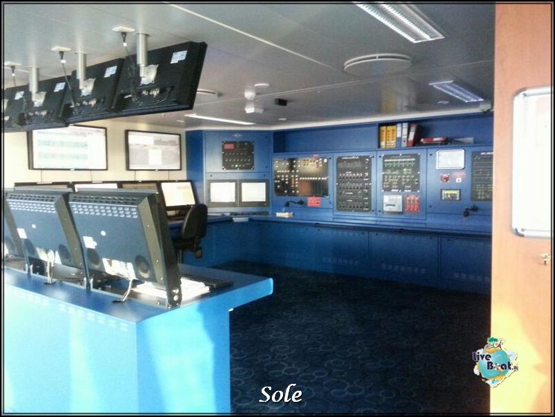 2014/01/02 Navigazione-ponte-comando-norwegian-epic-5-jpg