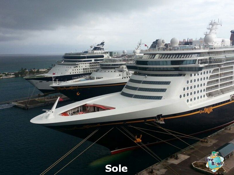 2014/01/03 Nassau (Bahamas)-5-nrwegian-epic-nassau-diretta-liveboat-crociere-jpg