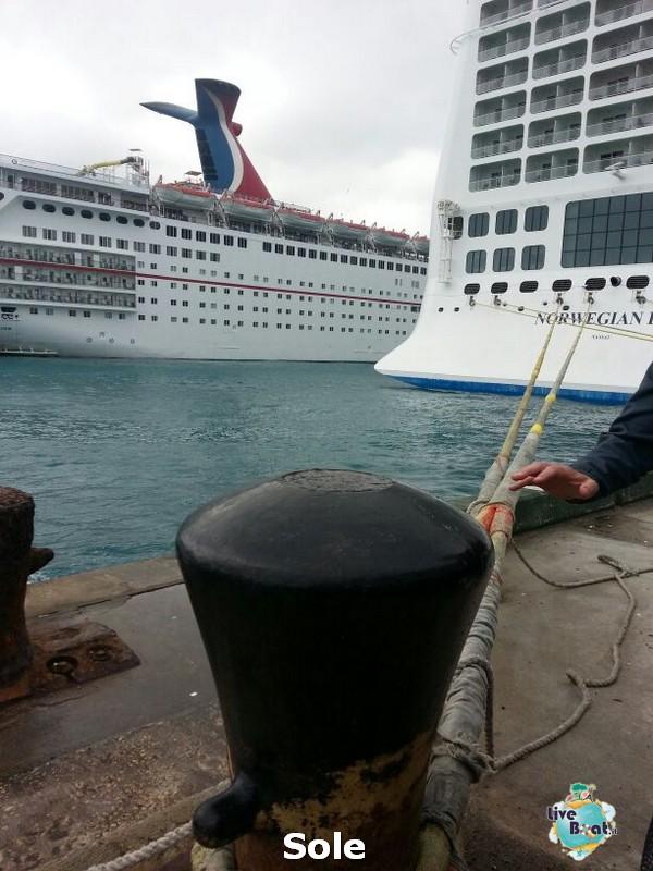 2014/01/03 Nassau (Bahamas)-4-nrwegian-epic-nassau-diretta-liveboat-crociere-jpg