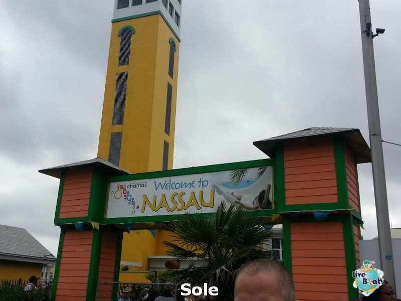 2014/01/03 Nassau (Bahamas)-6-nrwegian-epic-nassau-diretta-liveboat-crociere-jpg