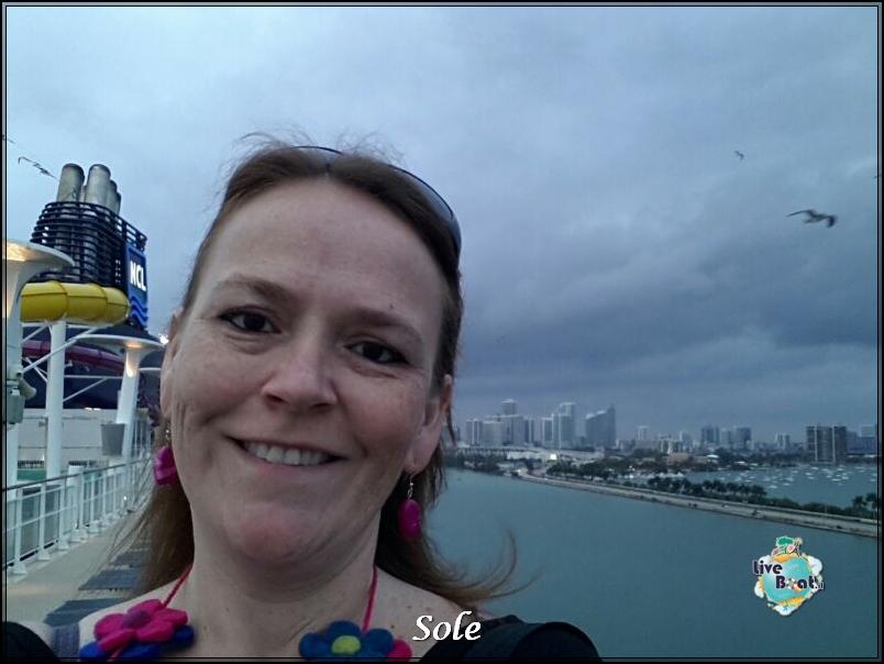 2014/01/04 Sbarco a Miami -> ritiro auto -> direzione Keys-diretta-sole-ncl-epic-sbarco-key-west-2-jpg