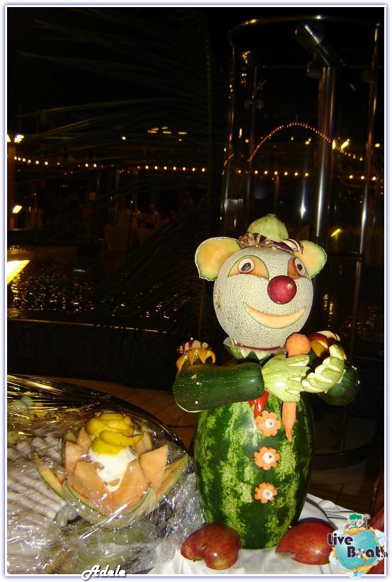 """Le Perle del caribe"" Costa Mediterranea 30/01/11-06/02/11-foto-sculturefrutta-leperledelcaribe-forumcrociereliveboat-2-jpg"