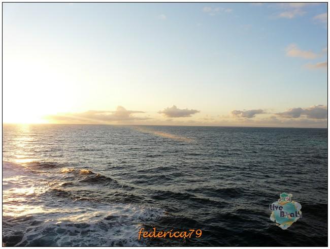 Costa Luminosa-Sole di Mezzanotte - 20 Luglio/1 Agosto 2010-90costaluminosahellesylt-geiranger-jpg