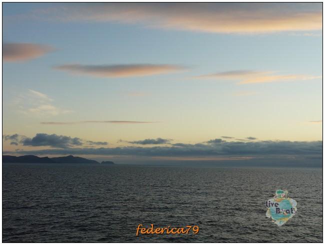 Costa Luminosa-Sole di Mezzanotte - 20 Luglio/1 Agosto 2010-56costaluminosahonningsvagcaponord-jpg