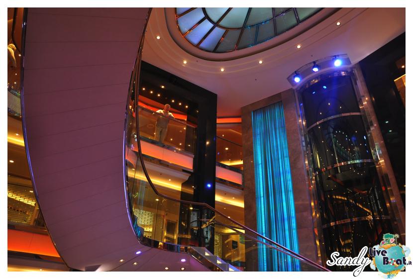 Atrium - P&O Ventura-p-and-o_ventura_atrium004-jpg
