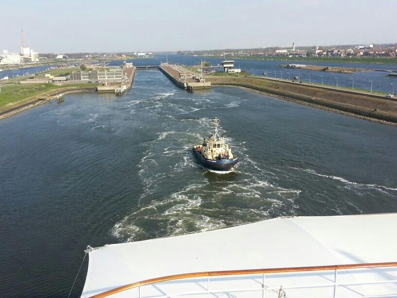 2014/04/20 Amsterdam MSC Magnifica-uploadfromtaptalk1398009866884-jpg