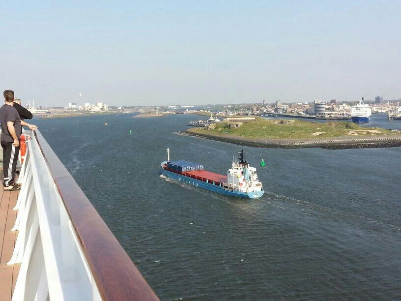 2014/04/20 Amsterdam MSC Magnifica-uploadfromtaptalk1398010054714-jpg
