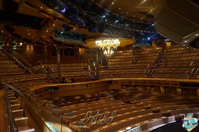 Teatro Urbino-costamagica36liveboatcrociere-dabi-jpg