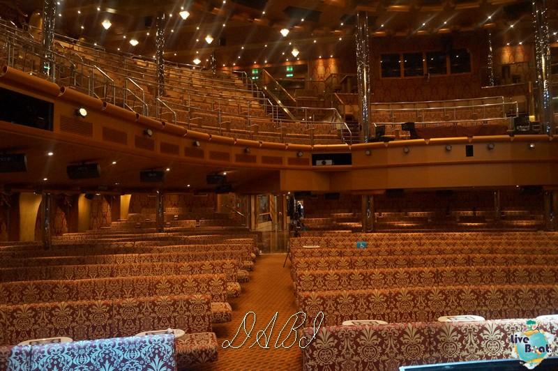 Teatro Urbino-costamagica39liveboatcrociere-dabi-jpg