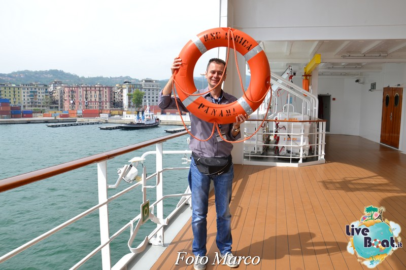"""Le foto col salvagente """" le nostre ciambelle """"-07foto-msc_lirica-liveboat-jpg"""