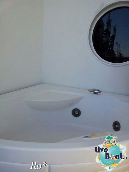 2014/05/14 - Savona (imbarco ) - Costa neoRiviera-137foto-costa-neoriviera-savona-imbarco-diretta-liveboat-crociere-jpg
