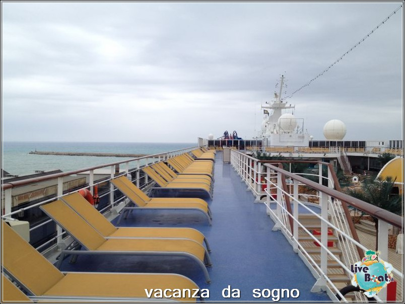 Visita su Costa Neoriviera-18costaneoriviera-costacrociere-direttaliveboatcrociere-jpg