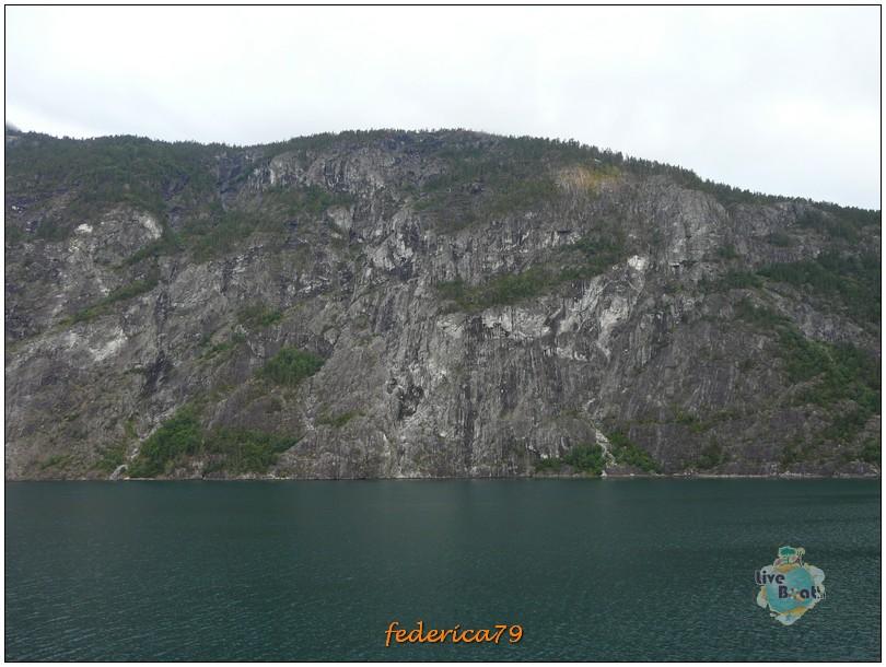 Navigazione turistica lungo il Sognefjord-flam00001-jpg