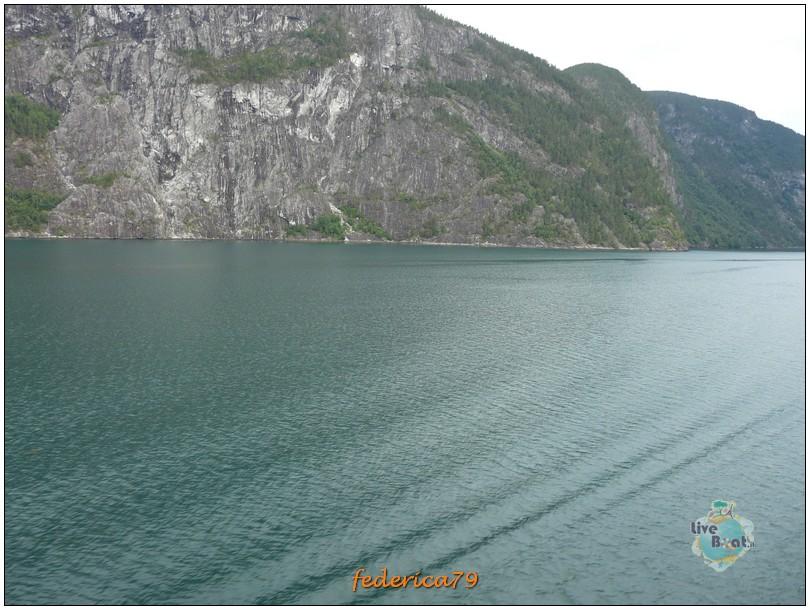 Navigazione turistica lungo il Sognefjord-flam00003-jpg