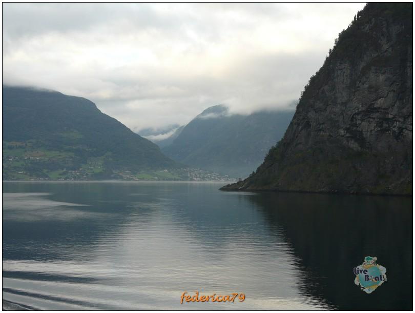 Navigazione turistica lungo il Sognefjord-flam00005-jpg