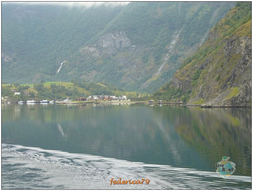 Navigazione turistica lungo il Sognefjord-flam00008-jpg