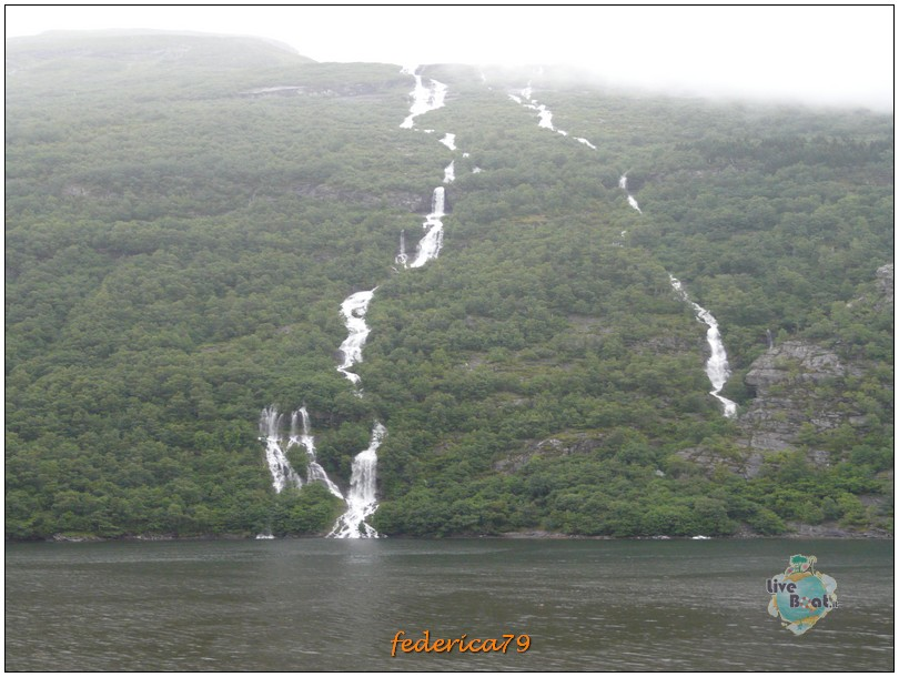 Navigazione turistica lungo il Geirangerfjord-geirangerfjord00008-jpg