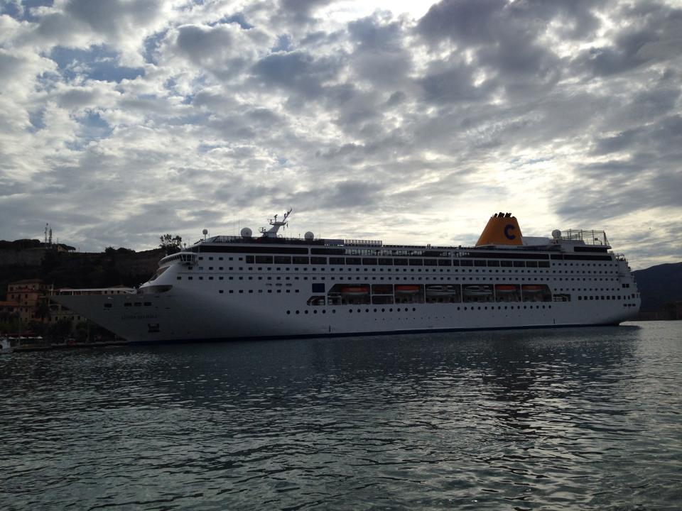 Porto di Portoferraio tutte le navi 2014-costa-neoriviera-portoferraio-marco-maffoni-2-jpg