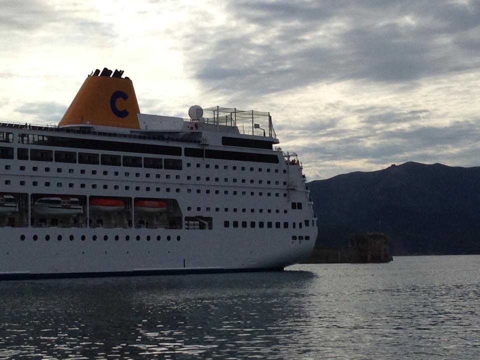 Porto di Portoferraio tutte le navi 2014-costa-neoriviera-portoferraio-marco-maffoni-5-jpg