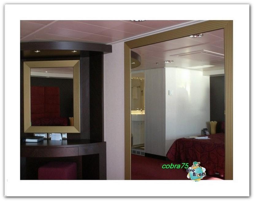Suite Aurea con grande vetrata MSC Fantasia-liveboat2forum-crociere-jpg