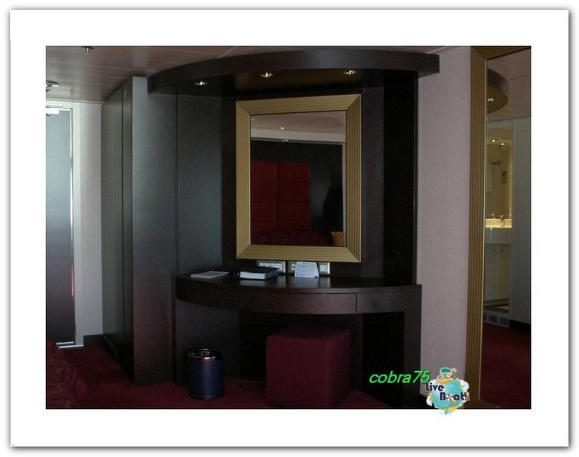 Suite Aurea con grande vetrata MSC Fantasia-liveboat3forum-crociere-jpg