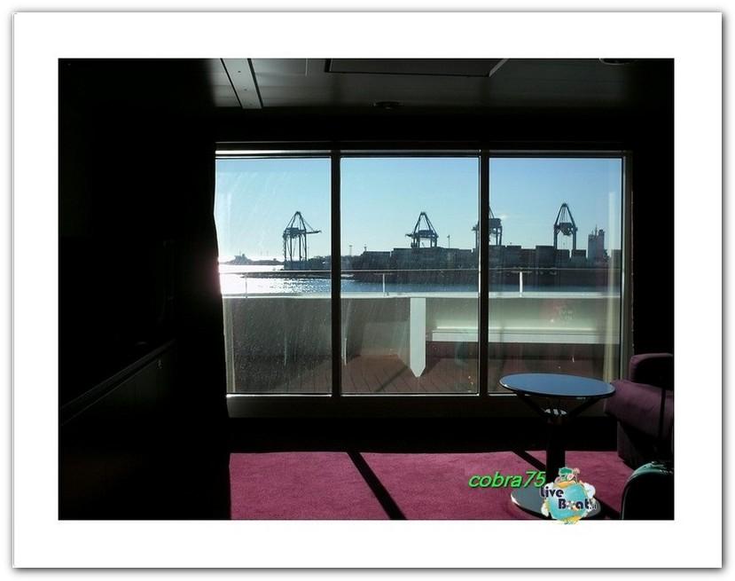 Suite Aurea con grande vetrata MSC Fantasia-liveboat4forum-crociere-jpg