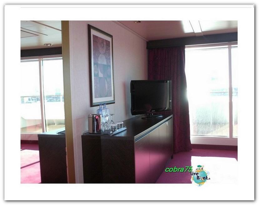 Suite Aurea con grande vetrata MSC Fantasia-liveboat5forum-crociere-jpg