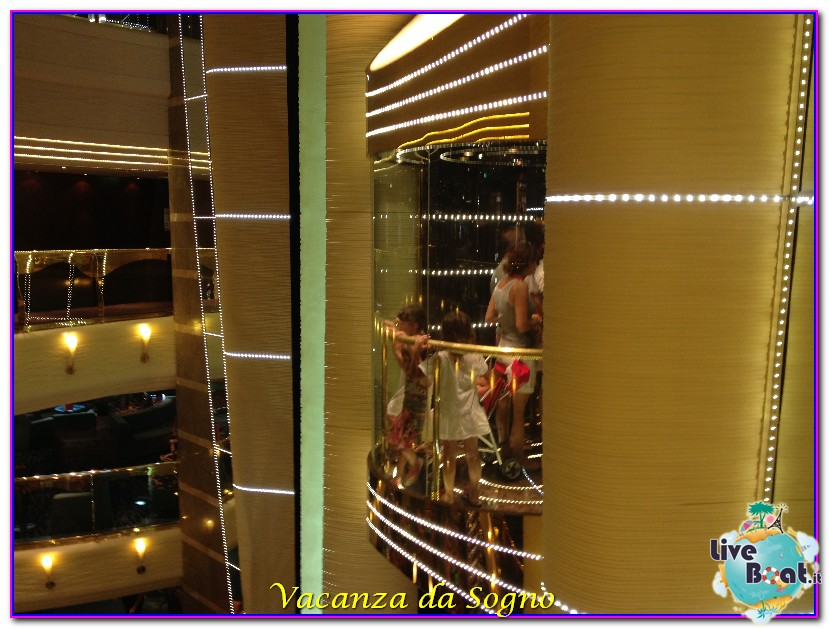 MSC Fantasia Atrio centrale-13msc-crociere-msc-fantasia-viagio-atlantide-crociera-isole-greche-jpg