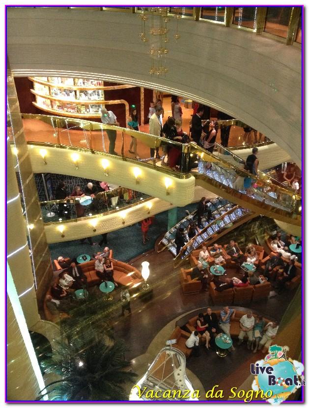 MSC Fantasia Atrio centrale-101msc-crociere-msc-fantasia-viagio-atlantide-crociera-isole-greche-jpg
