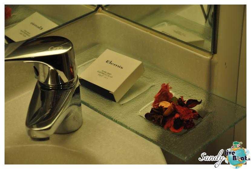 Costa neoRiviera - Suite-costa_neoriviera_suite5-jpg