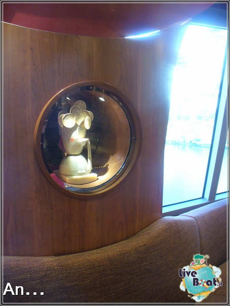 Caffetteria Porta d'Oro di Costa Favolosa-3costa-favolosa-liveboatcrociere-jpg