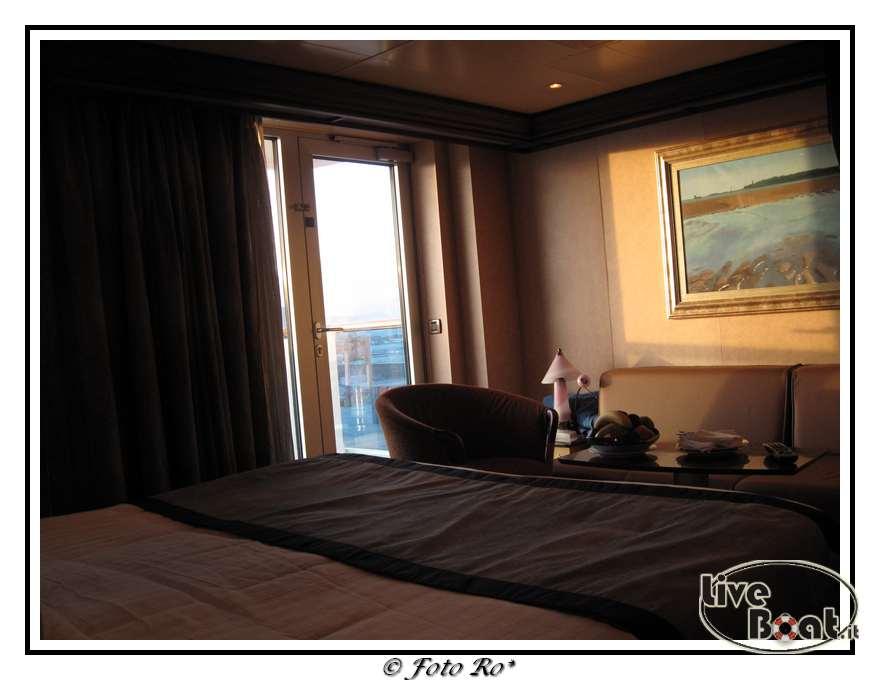 Gran suite e suite centrale con balcone  Costa Luminosa-suite-centrale-costa-luminosa-9-jpg